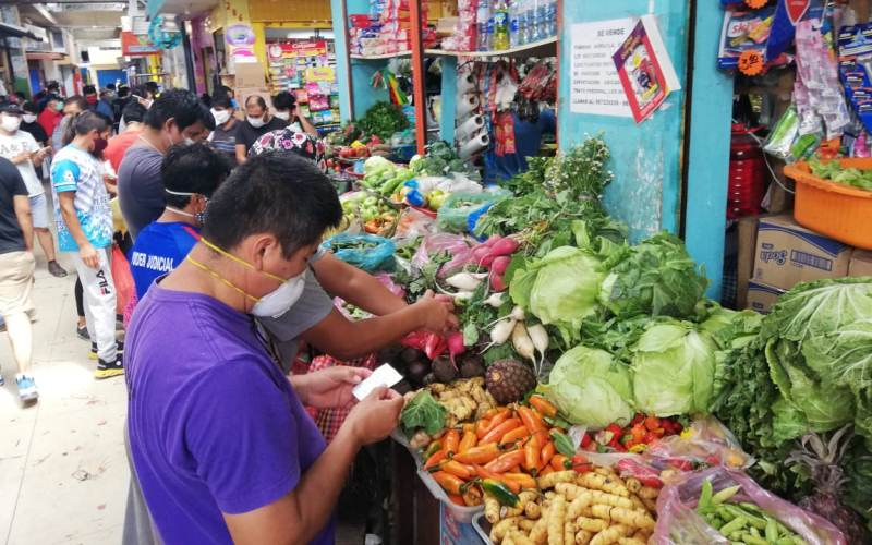 mercado_hombres_2