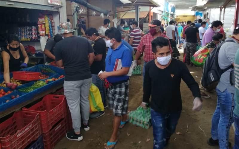 mercado_hombres_3