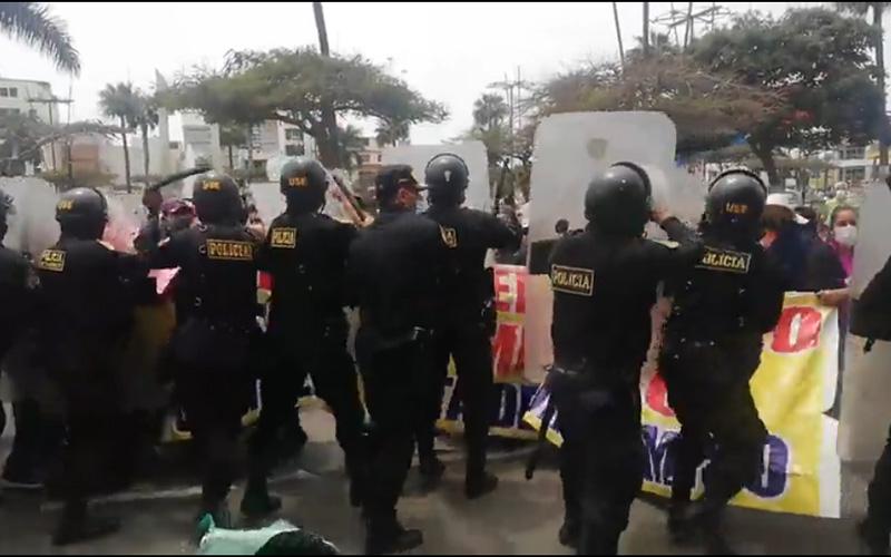 protesta_de_comerciantes_en_chimbote