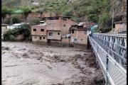 Viviendas construidas en ribera de río en riesgo de colapsar en Huari