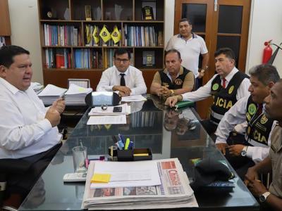 alcalde_roberto_briceno_coronel_cotito_chimbote