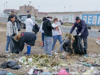 funcionarios_y_trabajadores_contratados_recogen_en_un_dia_mas_de_500_toneladas_de_basura_chimbote_1