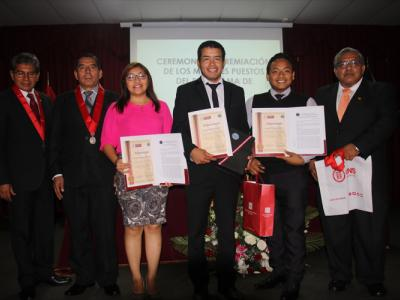 premio_excelencia_derecho Chimbote